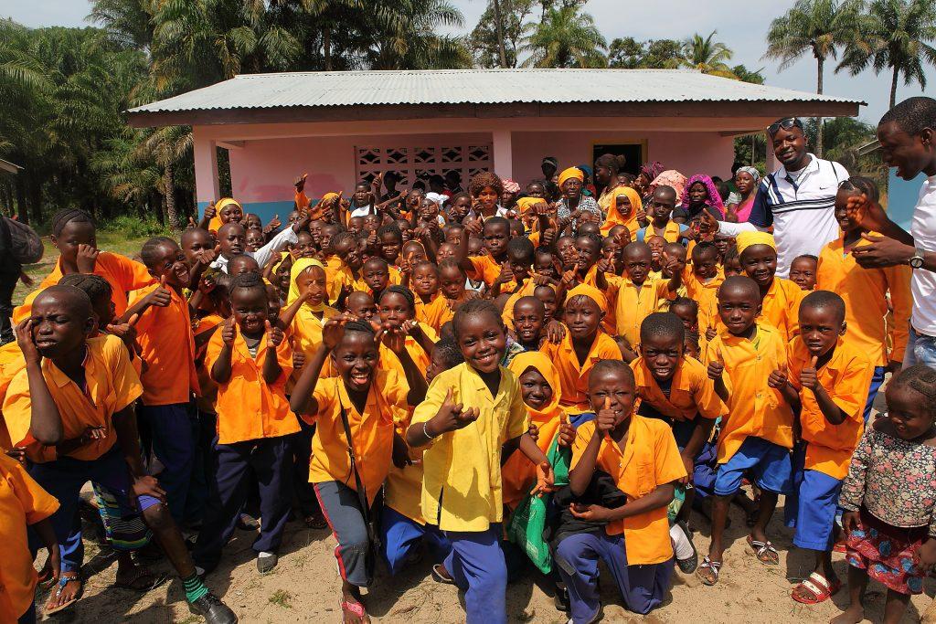 Die verschiedenen Klassenhäuser in Bailor. Forikolo - Schulen für Sierra Leone