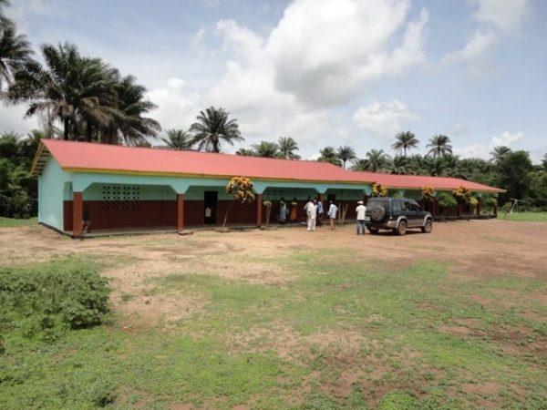Die erste Grundschule in Forikolo