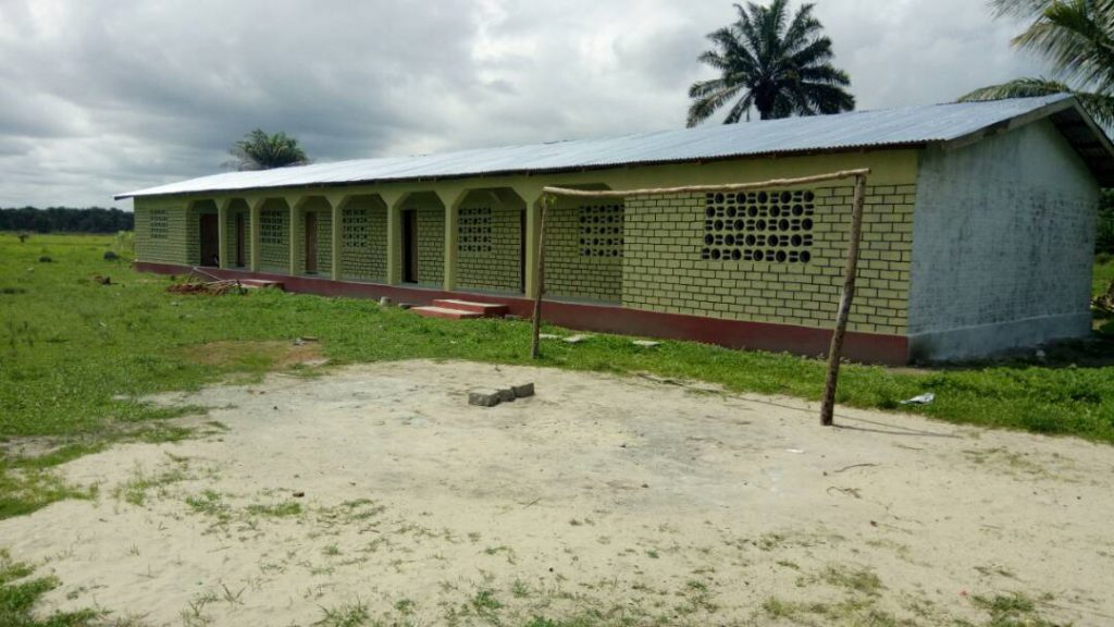 2017: Die 13. Schule in Robenk ist fertig.