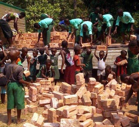 Bau einer Schule in Robenk, Sierra Leone