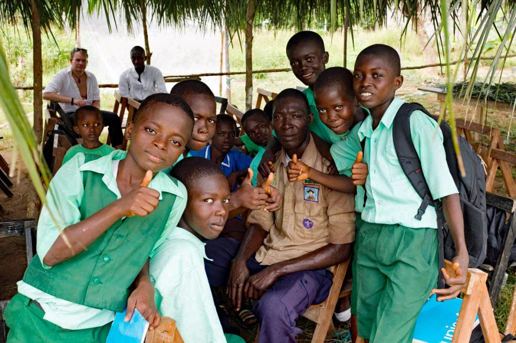 Schüler und Lehrer der Schule von Maloko (November 2016)