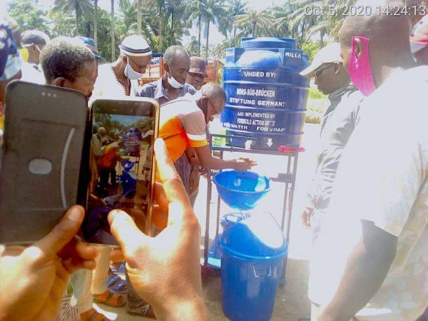 Workshop zum Händewaschen in Sierra Leone