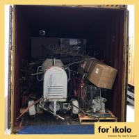 Beladung des ersten Containers mit Hilfsgütern für Sierra Leone abgeschlossen.