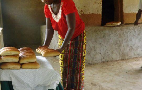 2009: Die 1. Bäckerei in Forikolo